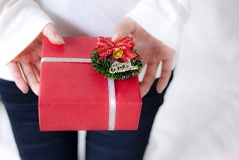 クリスマスプレゼント大学生彼女への予算は?どんなサプライズがいい?