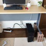 スタンディングデスクを安く自作してみた。発泡ブロックで2千円で完成