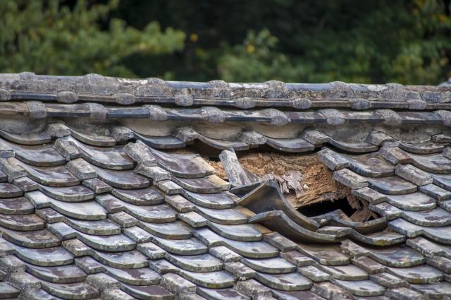 隕石落下した屋根