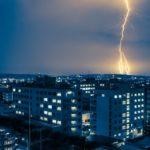 雷の音で距離を計算する方法!危険な距離と雷を察知するアプリ情報