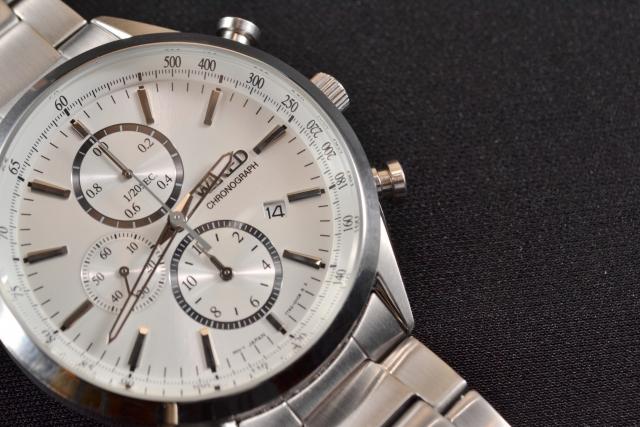 テクノス(technos)の腕時計は恥ずかしい?なぜ安いのか評判を調査