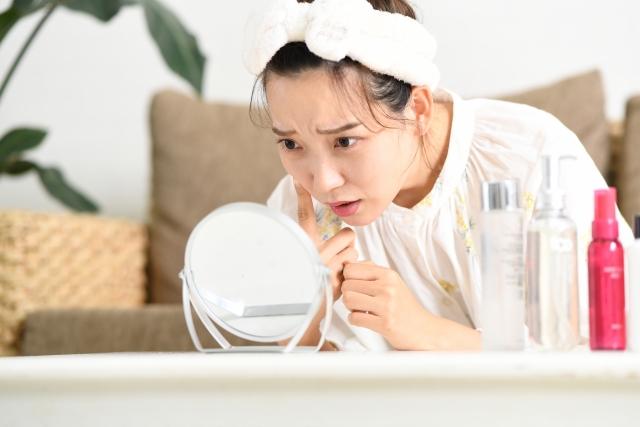 キュアレアはニキビやニキビ跡に効くの?化粧水後につけて大丈夫?