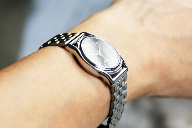 カルバンクラインの腕時計は恥ずかしいのか?ネットでの評判や年齢層を調査